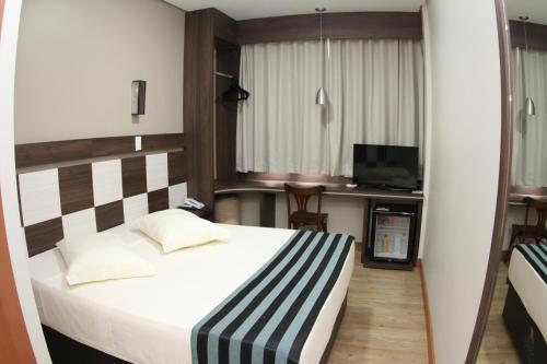 . Hotel Maestro Express