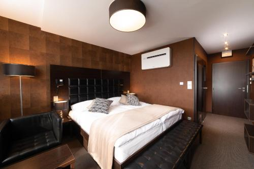 Deluxe Double or Twin Room with Bath