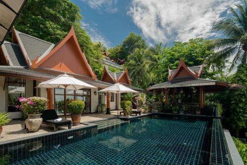 Luxury Ocean-view Villa near Surin Beach Luxury Ocean-view Villa near Surin Beach