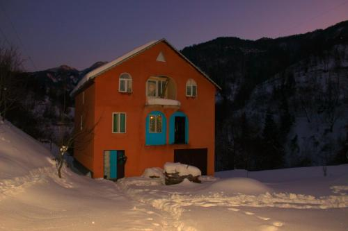 Guest House Oasis - Hotel - Khulo