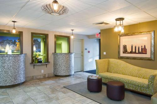 . 816 Hotel Westport Country Club Plaza, Ascend Hotel Collection