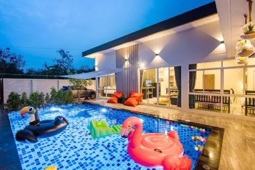 Let's party pool villa huahin Let's party pool villa huahin