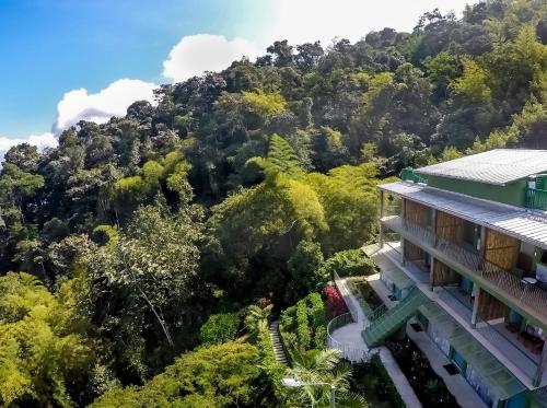 . Yumbo Spa and Resort