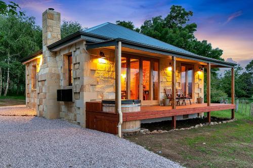 Blackwood Park Cottages Mole Creek - Accommodation