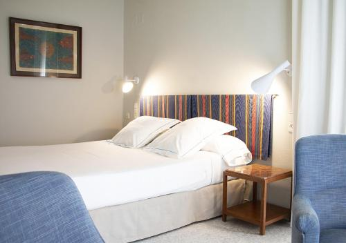 Queen Room with Balcony with Street View Hotel Llevant 3
