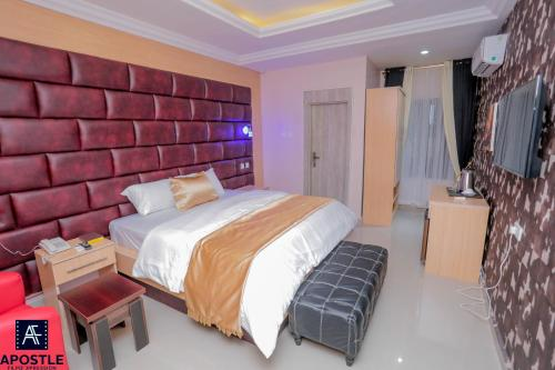 Luciano Royal Hotel and Suites