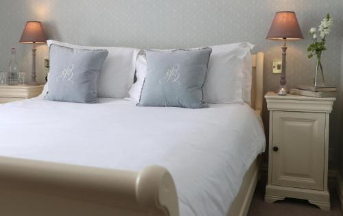 . Conyngham Arms Hotel