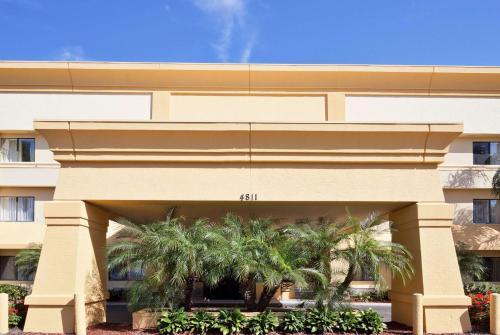 La Quinta by Wyndham Tampa Fairgrounds - Casino