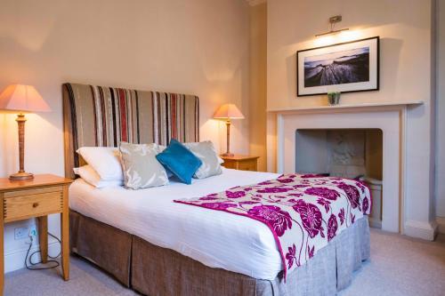 . The Swan Hotel - Bradford-on-Avon
