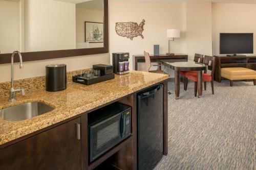 Embassy Suites Seattle - Tacoma International Airport - Seattle, WA WA 98188