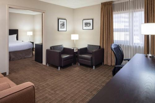 Delta Hotels by Marriott Calgary Airport In-Terminal - Calgary, AB T2E 6Z8