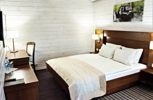 Hotel 4x4, Rivnens'kyi