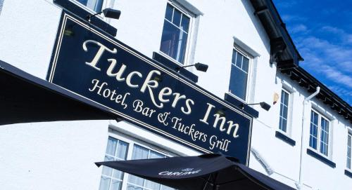 . Tuckers Inn