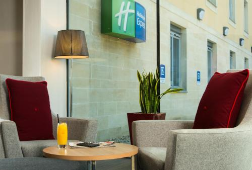 Holiday Inn Express Bath, An Ihg Hotel - Photo 4 of 29