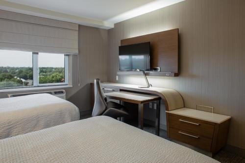 Courtyard by Marriott New York Queens/Fresh Meadows - image 10