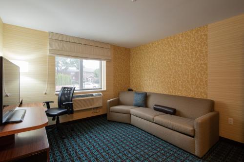 Fairfield Inn & Suites by Marriott New York Queens/Fresh Meadows - image 13