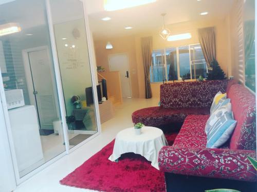 Warm House Muang Thong Thani Warm House Muang Thong Thani