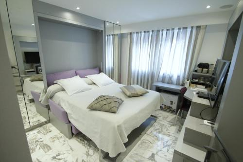 B&B Le France Nice Centre - Accommodation - Nice