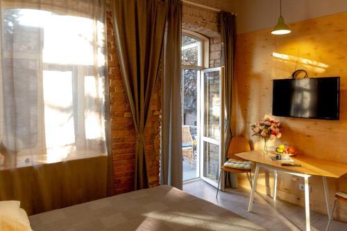 . Apartment Tri Narzana