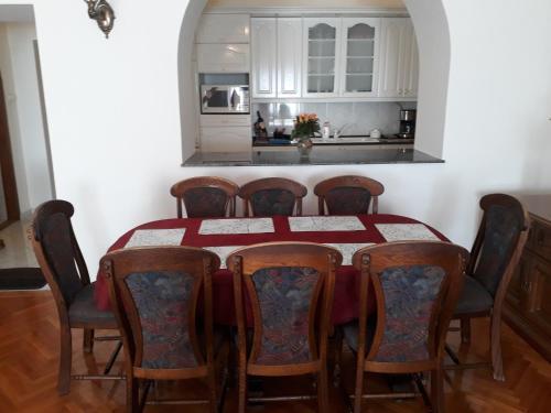 Piac Utcai Apartman 2, Pension in Debrecen