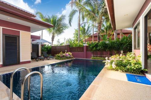 Beautiful Panoramic Mountain View 3 BR's Phuket Paradise Villa For R Beautiful Panoramic Mountain View 3 BR's Phuket Paradise Villa For Rent