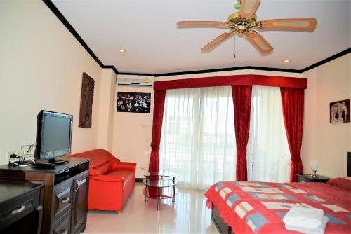 Jomtien Plaza residence with sea view, spa shower & bath tub Jomtien Plaza residence with sea view, spa shower & bath tub