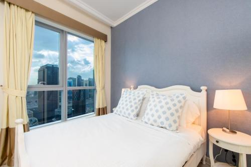 Quintessential Quarters - Breathtaking 29th Floor Views - image 7