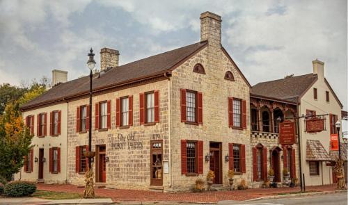. Talbott Tavern and Inn