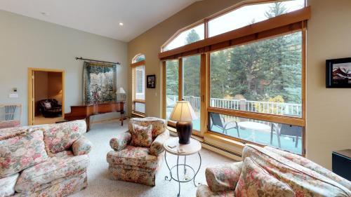 Three Bedroom Gold Alpine View