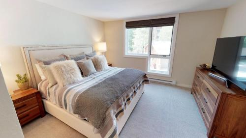 Three-Bedroom Platinum Condo with Loft