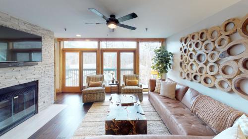 Three-Bedroom Luxury Platinum Condominium