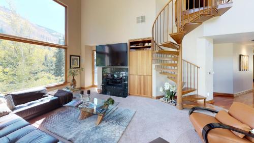 Four-Bedroom Luxury Platinum Condominium