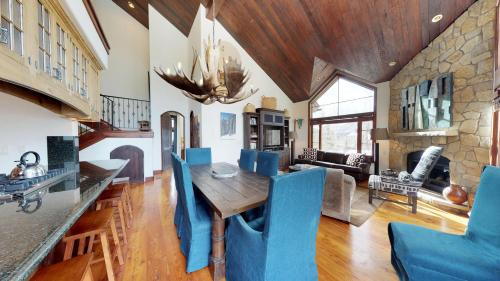 Five-Bedroom Platinum Residence