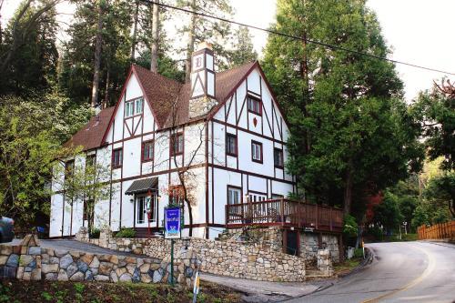 Bracken Fern Manor - Hotel - Lake Arrowhead