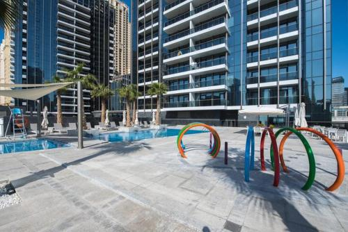 Pelican Stay - Full Marina and Pool View - image 11