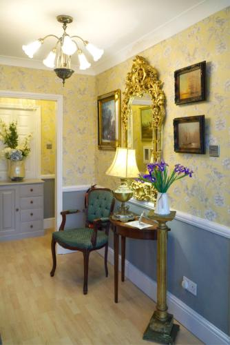 The Cambridge Guest House - Photo 2 of 28
