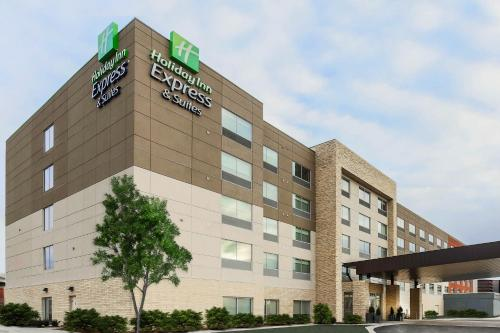 . Holiday Inn Express & Suites - Chicago O'Hare Airport, an IHG Hotel