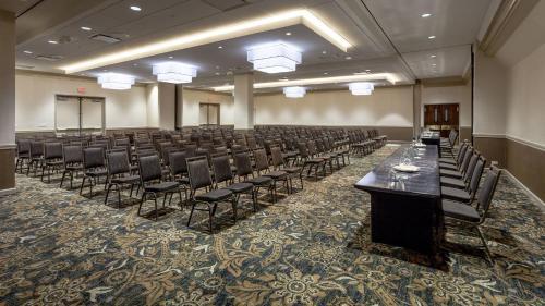 Holiday Inn Chicago North-Evanston - Evanston, IL IL 60201