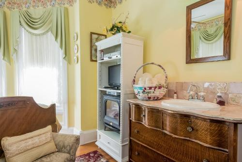 Kingsley House - Accommodation - Fennville