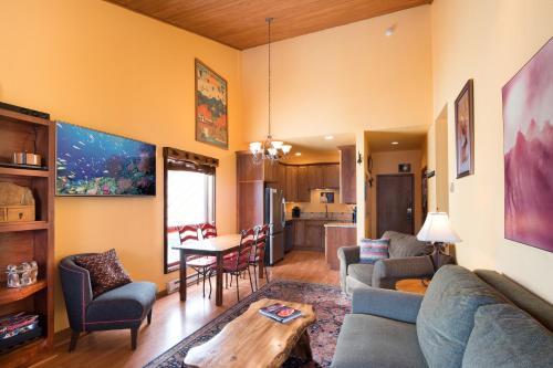 Rare End Condo - 5 star - Fall booking up fast! - Hotel - Durango Mountain Resort