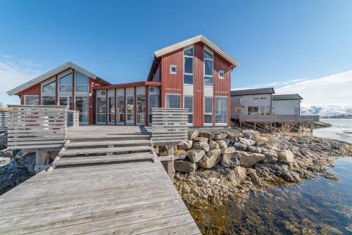 Sommarøy Arctic - Photo 4 of 112