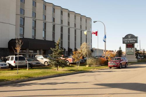 Continental Inn & Suites - Edmonton, AB T5P 4A8