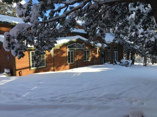 The Lodge at Lazy Bear Retreat, Bed and Breakfast - Hotel - Alto
