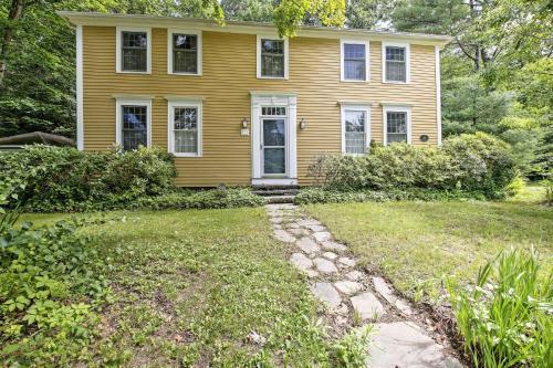 Historic Huntington Home - Walk to Westfield River - Hotel - Huntington
