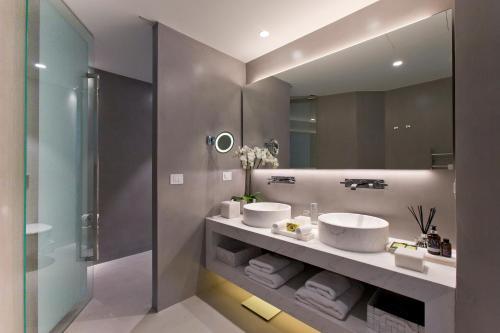 Grace Hotel Santorini, Auberge Resorts Collection room Valokuvat