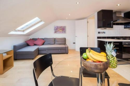 Edgeley - Modern, Stylish And Spacious Apartment