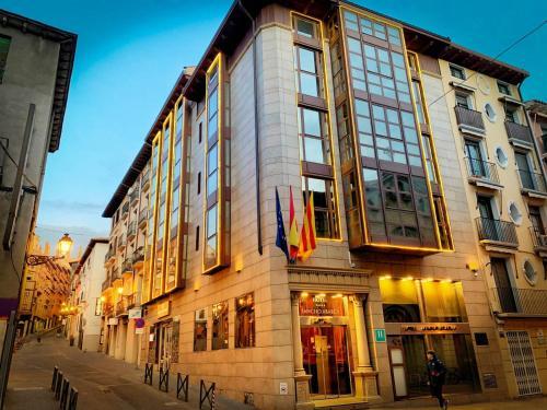 . Hotel Sancho Abarca