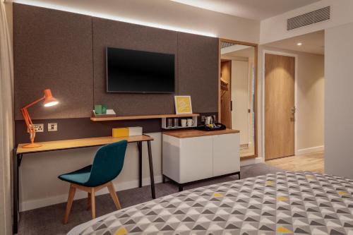 Photo - Holiday Inn London Heathrow - Bath Road