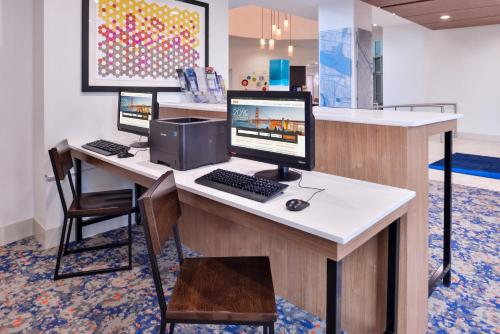 Photo - Holiday Inn Express New Orleans - St Charles