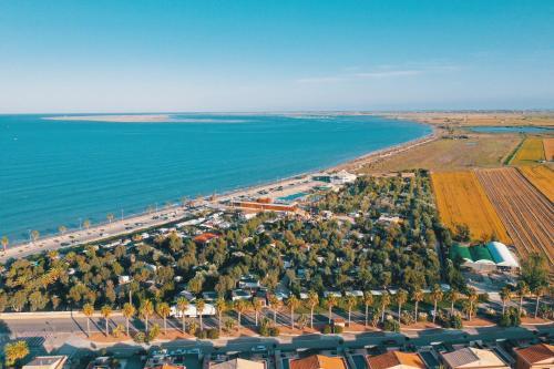 . Camping Ampolla Playa